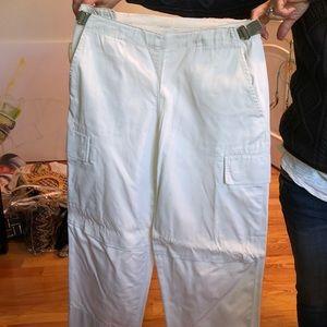 DKNY size 4 capris